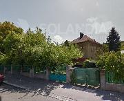 Prvorepubliková vila v klidné ulici u obory